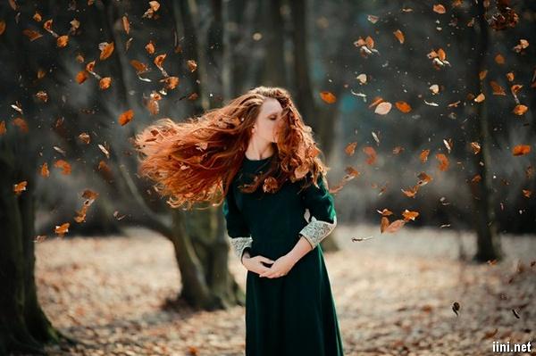 ảnh nghệ thuật cô gái mùa thu