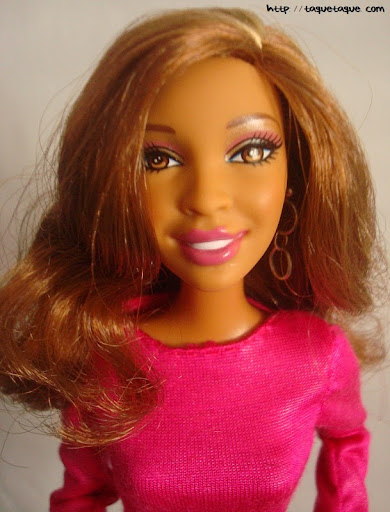 Diseños OOAK DIY by Taque-Taque para Barbie Fashionista:  vista de la carita y de los pendientes
