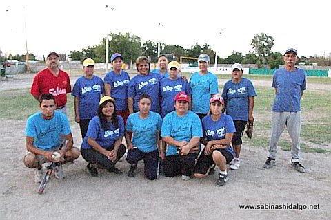Equipo La Raza del torneo de softbol femenil