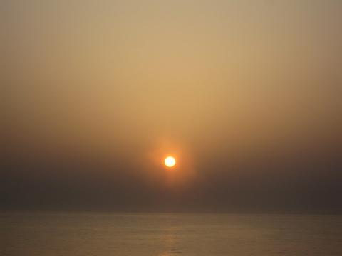太平洋フェリー「新いしかり」 朝の風景(日の出)