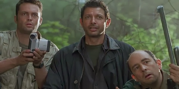 Screen Shot Of Hollywood Movie Jurassic Park: The Lost World (1997) In Hindi English Full Movie Free Download And Watch Online at Alldownloads4u.Com