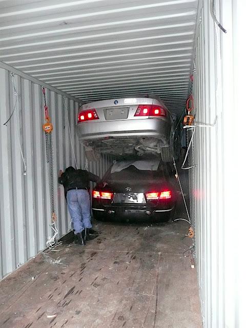 Des chevaux et des yourtes team boulot for Container garage voiture