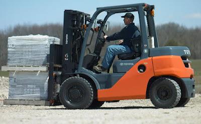 Xe nâng diesel Toyota 4 tấn