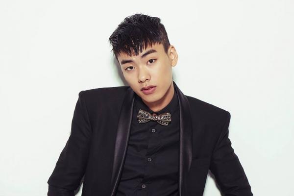"""Rapper Iron được netizen khen """"khá khẩm"""" hơn G-Dragon khi thừa nhận sử dụng cần sa"""
