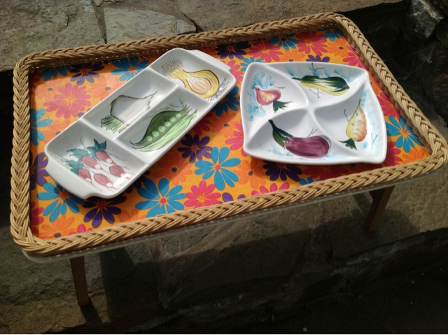 Foodie quine edible scottish adventures my vintage for Funky canape trays