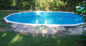 M nica dise os el nuevo jard n de m nica for Escaleras para piscinas desmontables carrefour