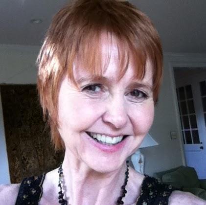 Julie Watson Photo 39