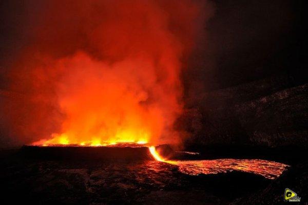 استكشافية لبركان نيراجونجو افريقيا 19.jpg
