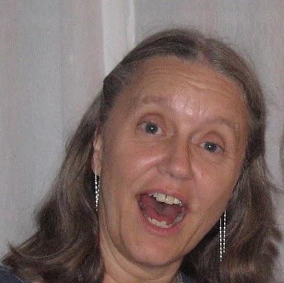 Janet Yates Photo 13