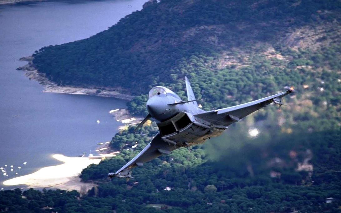 Eurofighter Typhoon Jet Fighter Wallpaper 2