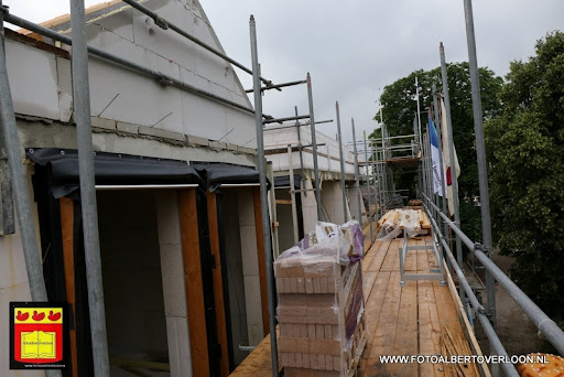 Appartementencomplex de linde  heeft zijn hoogste punt bereikt overloon 28-06-2013 (33).JPG