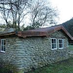 Side of Keebles Hut (292174)