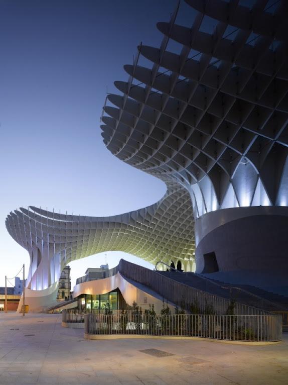 *西班牙-賽維利亞廣場古城新地標:大型蜂巢傘狀建築Metropol Parasol! 3