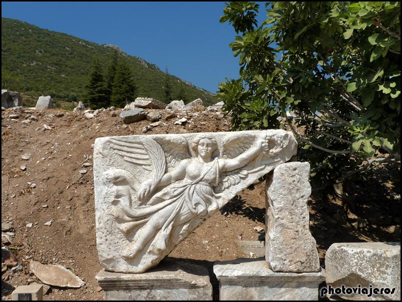 Relieve de la diosa Niké de Efeso