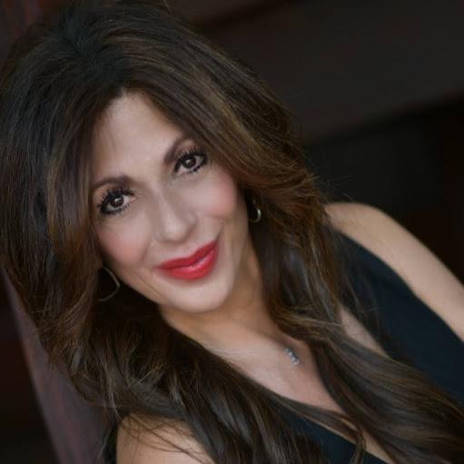 Donna Mendoza Photo 20