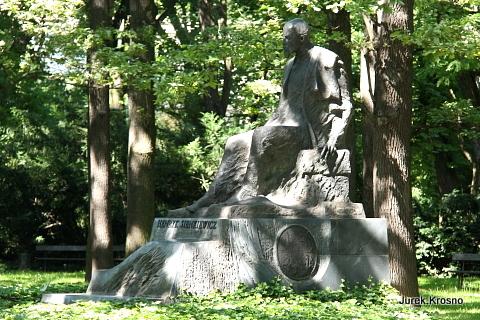 Pomnik Henryka Sienkiewicza, Warszawa.