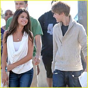 googlemei: Justin Biebeeeerrrrr! Justin Bieber Selena Gomez 2009