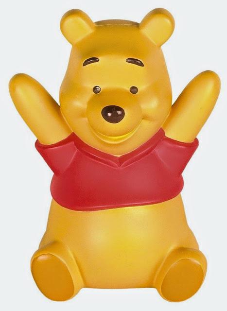 Chú Gấu Pooh bằng nhựa mô phỏng nhân vật hoạt hình Winnie the Pooh rất chu đáo và tốt bụng