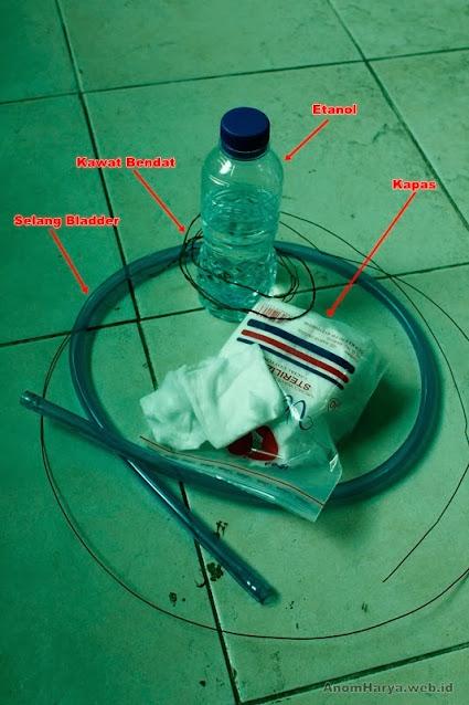 Alat & bahan membersihkan water bladder