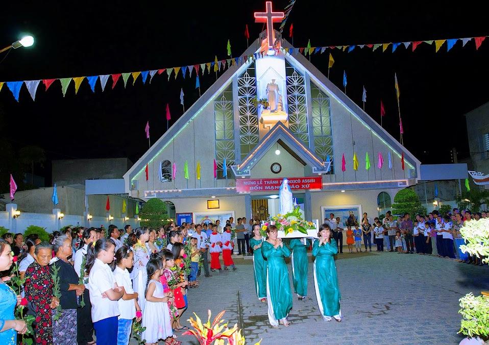 Thánh lễ khai mạc tháng Mân Côi tại nhà thờ Núi Sạn