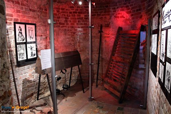 Wystawa broni i narzędzi tortur w gdańskiej katowni