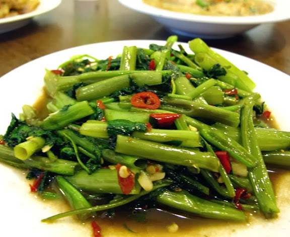 蝦醬空心菜 NT 80元-泰僑村台中泰式料理