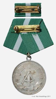 221a Medaille für treue Dienste in der Zollverwaltung der Deutsche Demokratische Republik in Silber www.ddrmedailles.nl