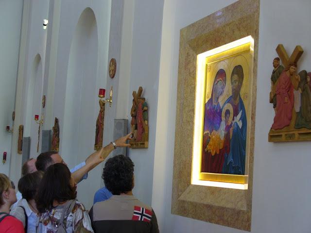Ammirando l'Icona appena benedetta