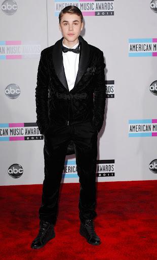 Кто лучше и хуже всех оделся на American Music Awards 2011