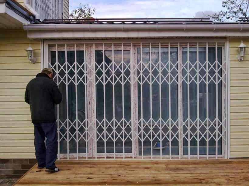 железные решетки на двери и окна