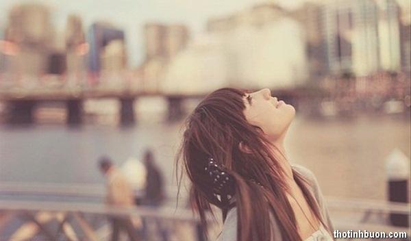 Thơ cố quên người em từng yêu, thơ em sẽ sống tốt dù thiếu anh