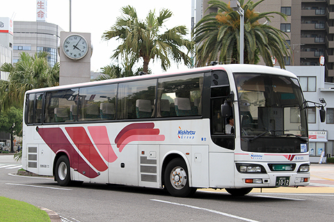 西鉄高速バス「フェニックス号」9135 宮崎駅にて
