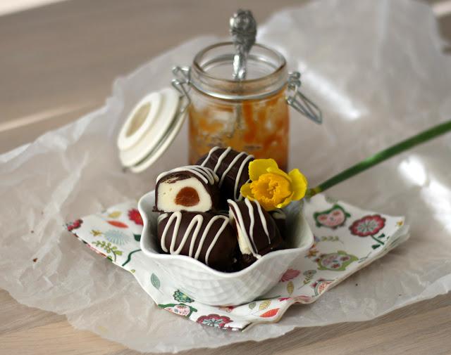 Påskeæg med chokolade og karamel
