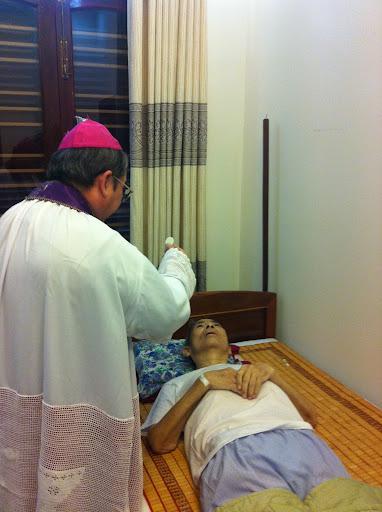 Hiệp thông cầu nguyện cho Cha FX. Trần Xuân Thứ