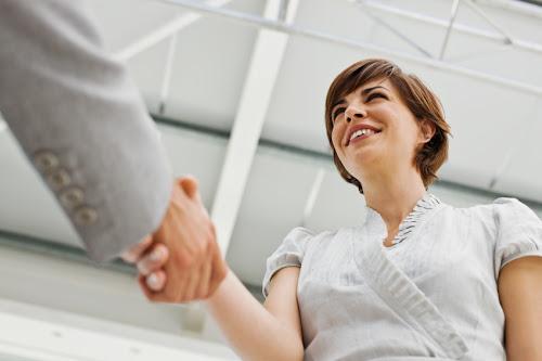 ky nang giao tiep 1 Vài lưu ý về kỹ năng giao tiếp cho bạn gái