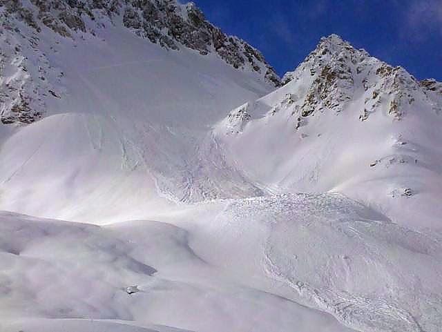 Avalanche Mont Thabor, secteur Col de la Roue, Pente N- Ne de Petit Bagna - Photo 1