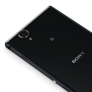03_Xperia_T2_Ultra_Black_Camera.jpg