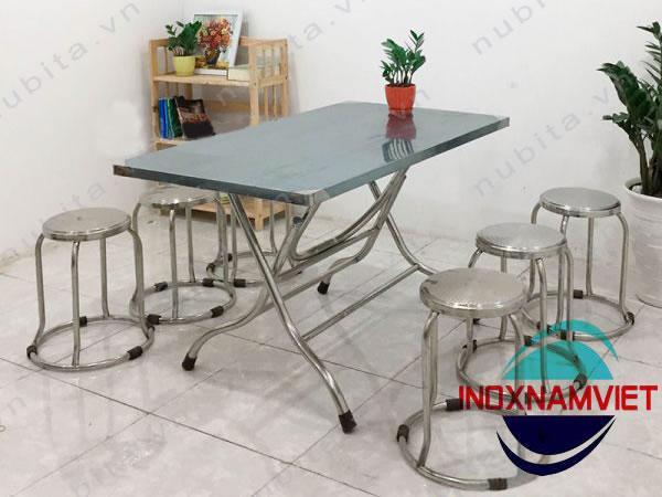 Khả năng sử dụng thuận lợi của bàn ghế inox quán ăn