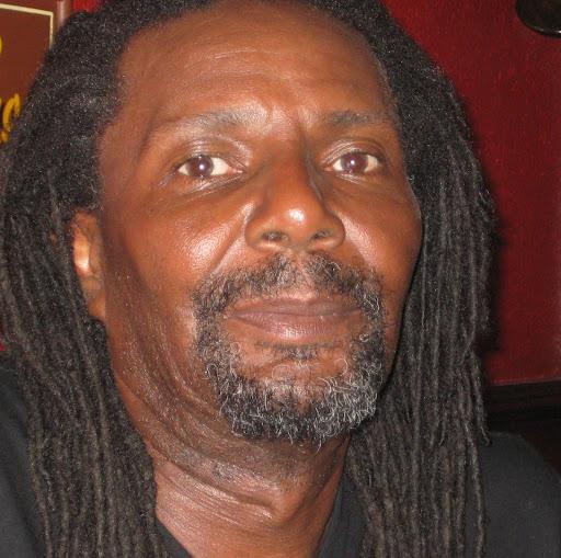 Melvin Antonio Photo 13
