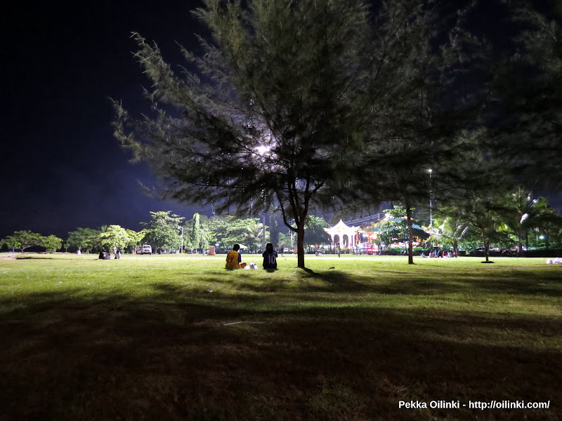 Saphan Hin, Phuket - Friday night at the park