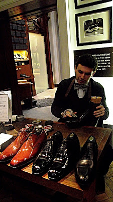 Shoe shine from the shoe snob