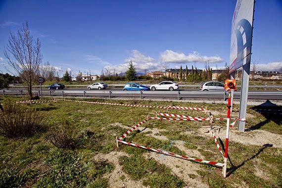 Inicio de las obras de construcción de una pasarela peatonal en la carretera M-601, en Collado Villalba