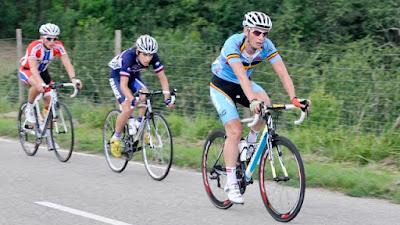Die dreiköpfige Spitzengruppe mit Tagessieger Martijn Degreve (Belgien),   Guillaume Martin (Frankreich) und Sondre Enger (Norwegen).