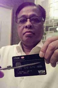 Menteri Batal kad Bank Tanda Protes