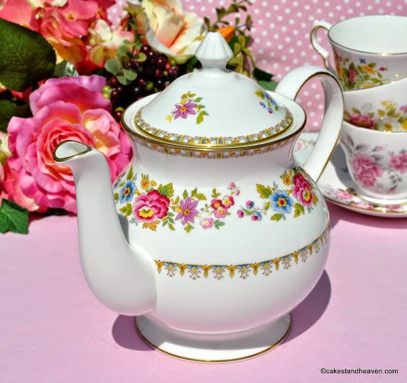 Royal Grafton Malvern Teapot