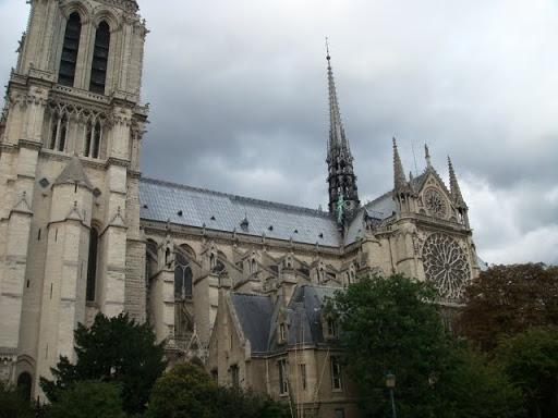 Notre Dame, поглед от едноименния мост Pont Notre Dame