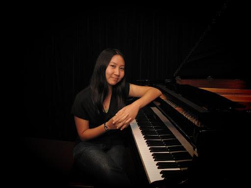 Michelle Wong Photo 17