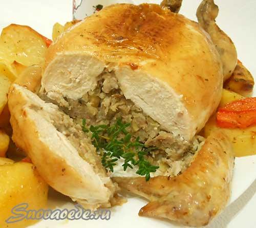 Фаршированная курица запеченная в духовке (без костей)