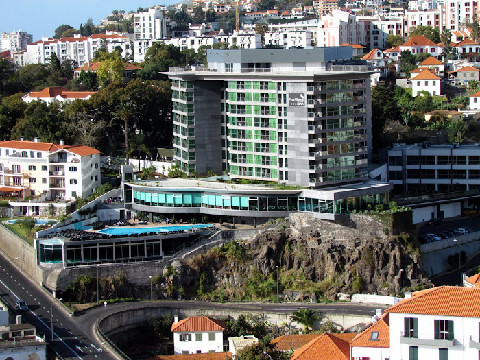 hotel Four Views Baia a renovated hotel in Funchal