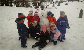 To máme krásného sněhuláka...
